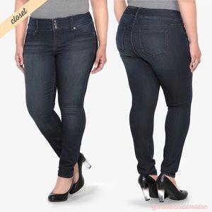 [Torrid] Dark Wash Super Skinny Jegging Jeans